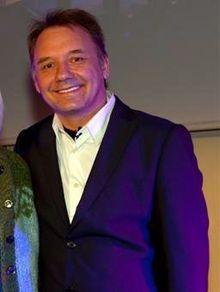 How tall is Bob Mortimer?