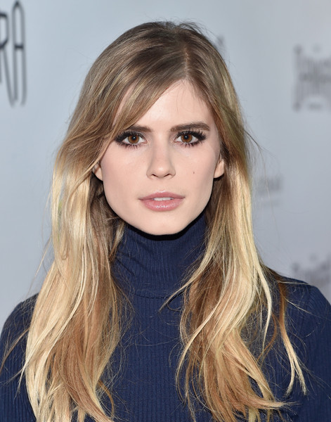 How tall is Carlson Young?