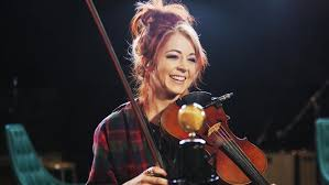 How tall is Lindsey Stirling?