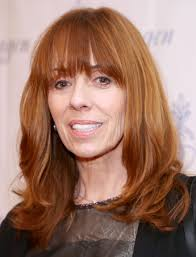 How tall is Mackenzie Phillips?