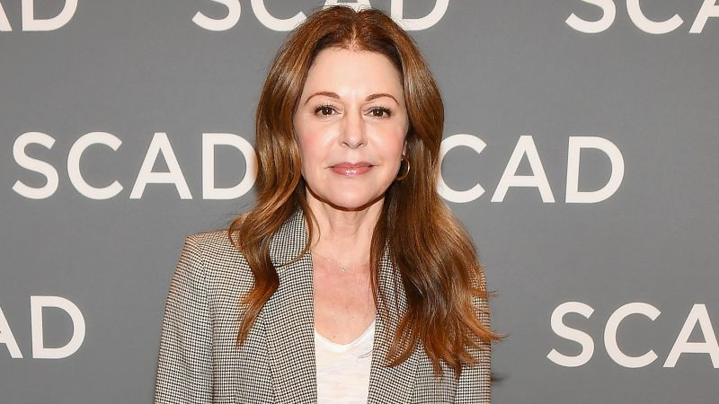 How tall is Jane Leeves?