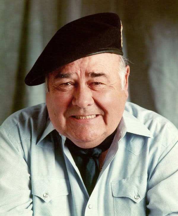 How tall is Jonathan Winters?