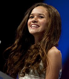 How tall is Madison Pettis?