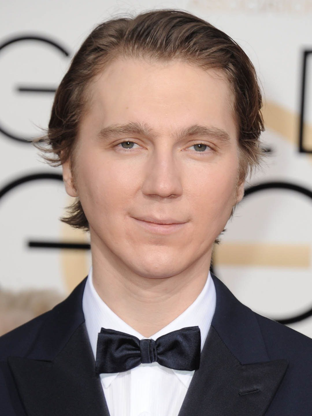 How tall is Paul Dano?