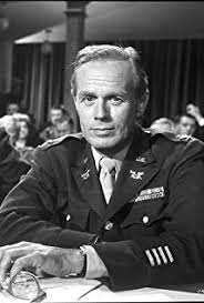 How tall is Richard Widmark?