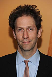 How tall is Tim Blake Nelson?