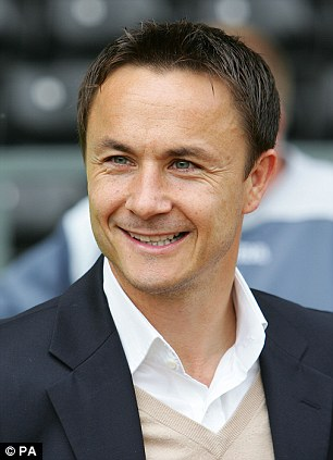 How tall is Dennis Wise?
