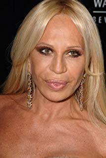 How tall is Donatella Versace?