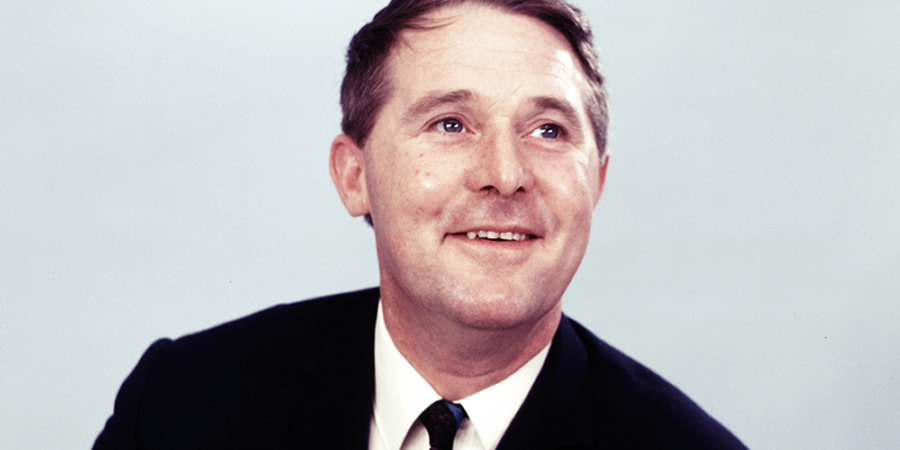 How tall is Ernie Wise?
