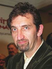 How tall is Jimmy Nail?