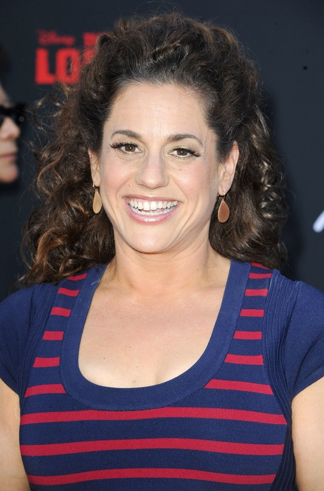 How tall is Marissa Jaret Winokur?