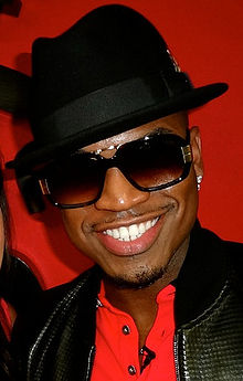 How tall is NeYo?
