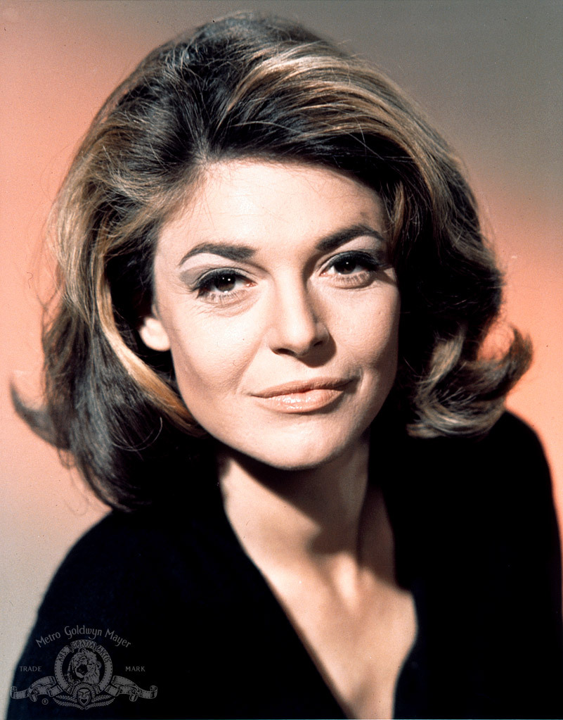 How tall is Anne Bancroft?