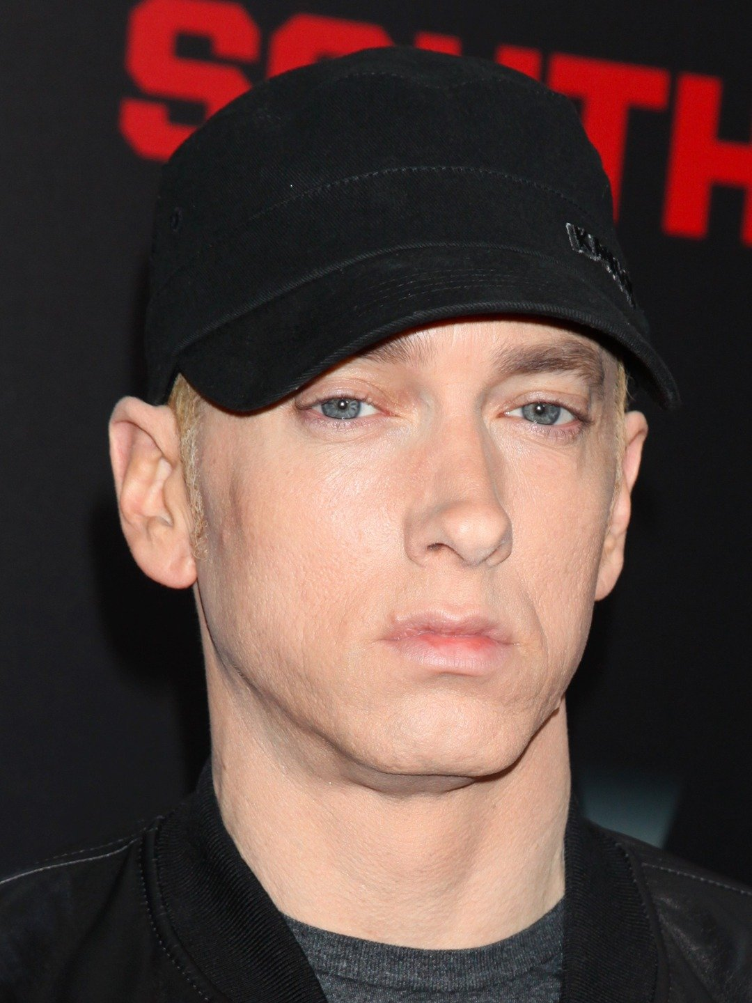 How tall is Eminem?