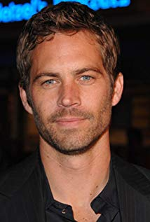 How tall is Paul Walker?