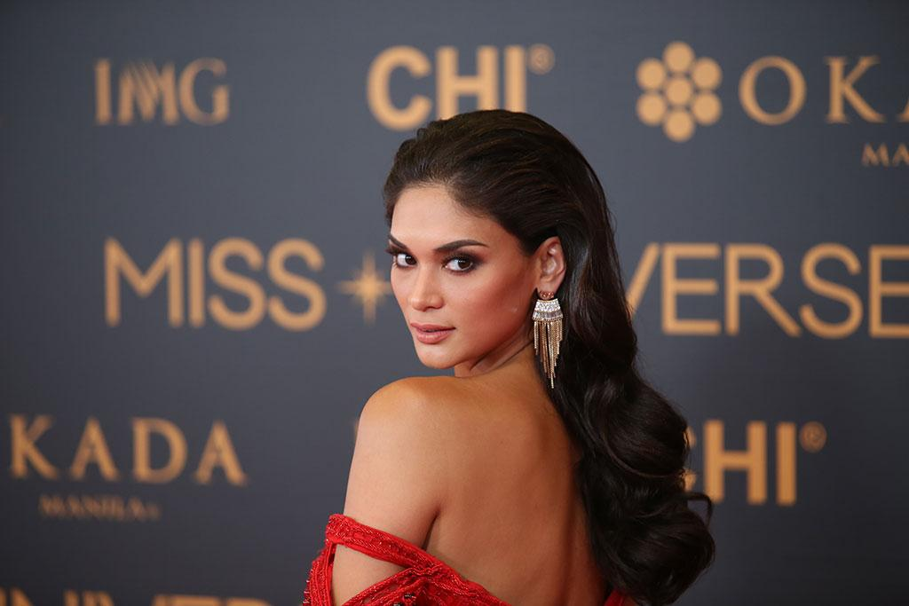 How tall is Pia Wurtzbach?
