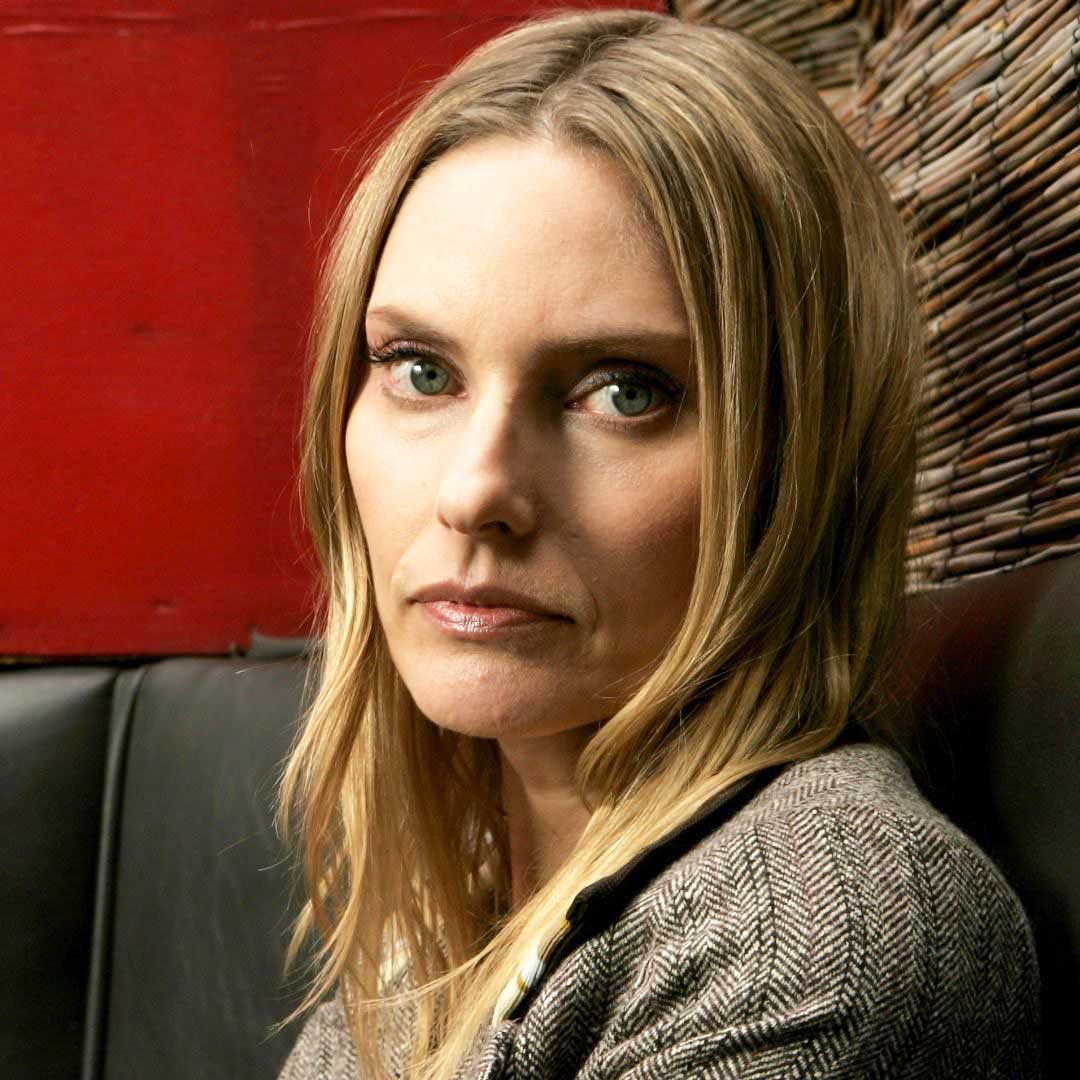 How tall is Aimee Mann?