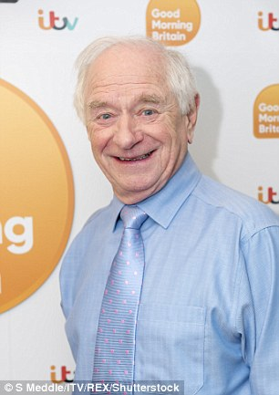 How tall is Johnny Ball?