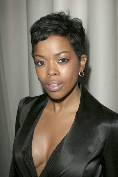 How tall is Malinda Williams?