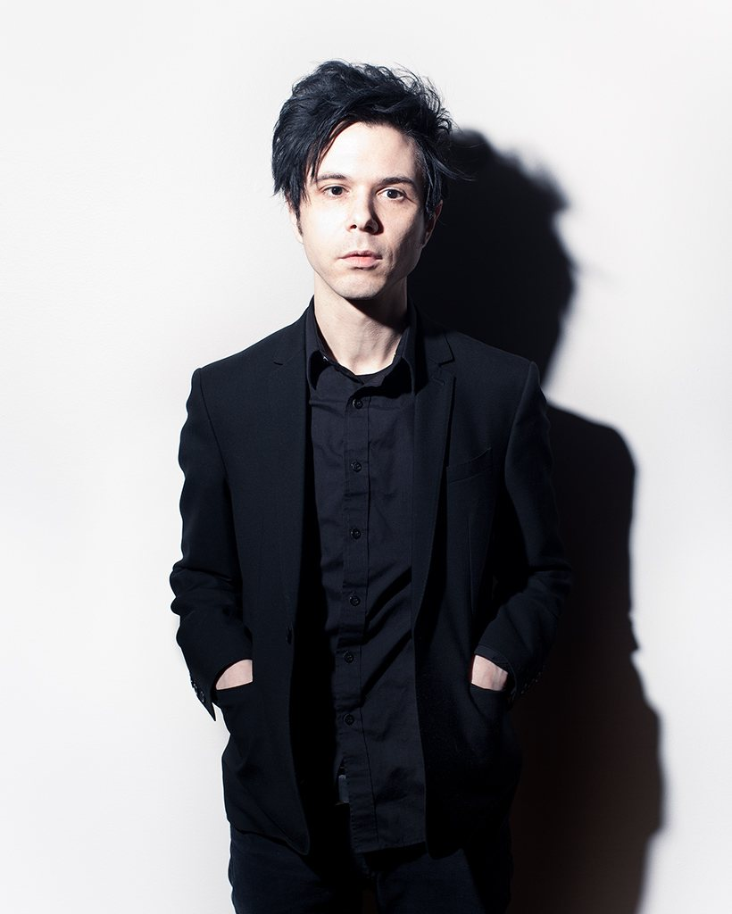 How tall is Nick Zinner?