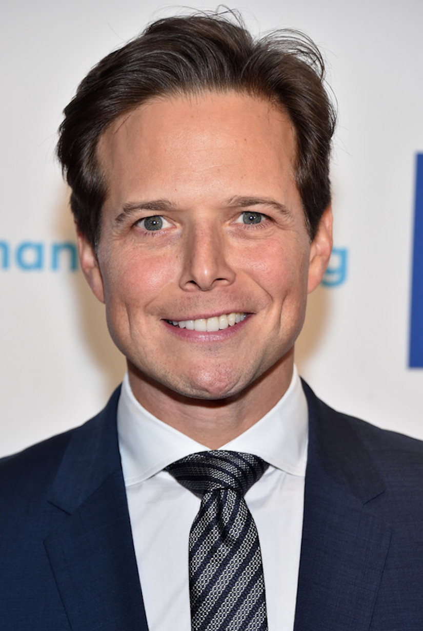 How tall is Scott Wolf?
