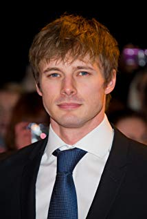 How tall is Bradley James?