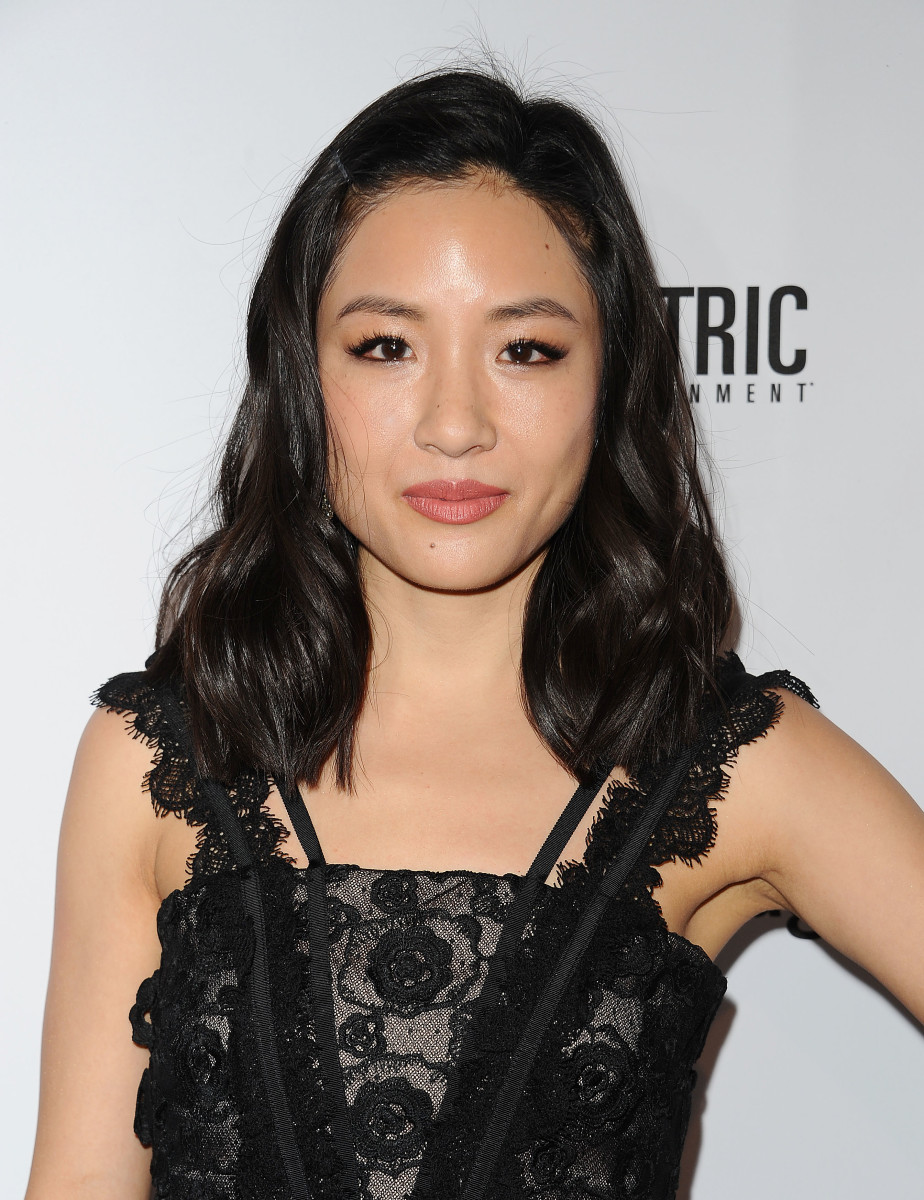 How tall is Constance Wu?