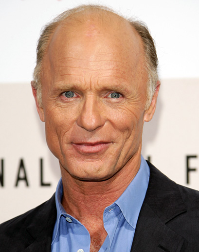 How tall is Ed Harris?