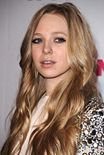 How tall is Portia Doubleday?