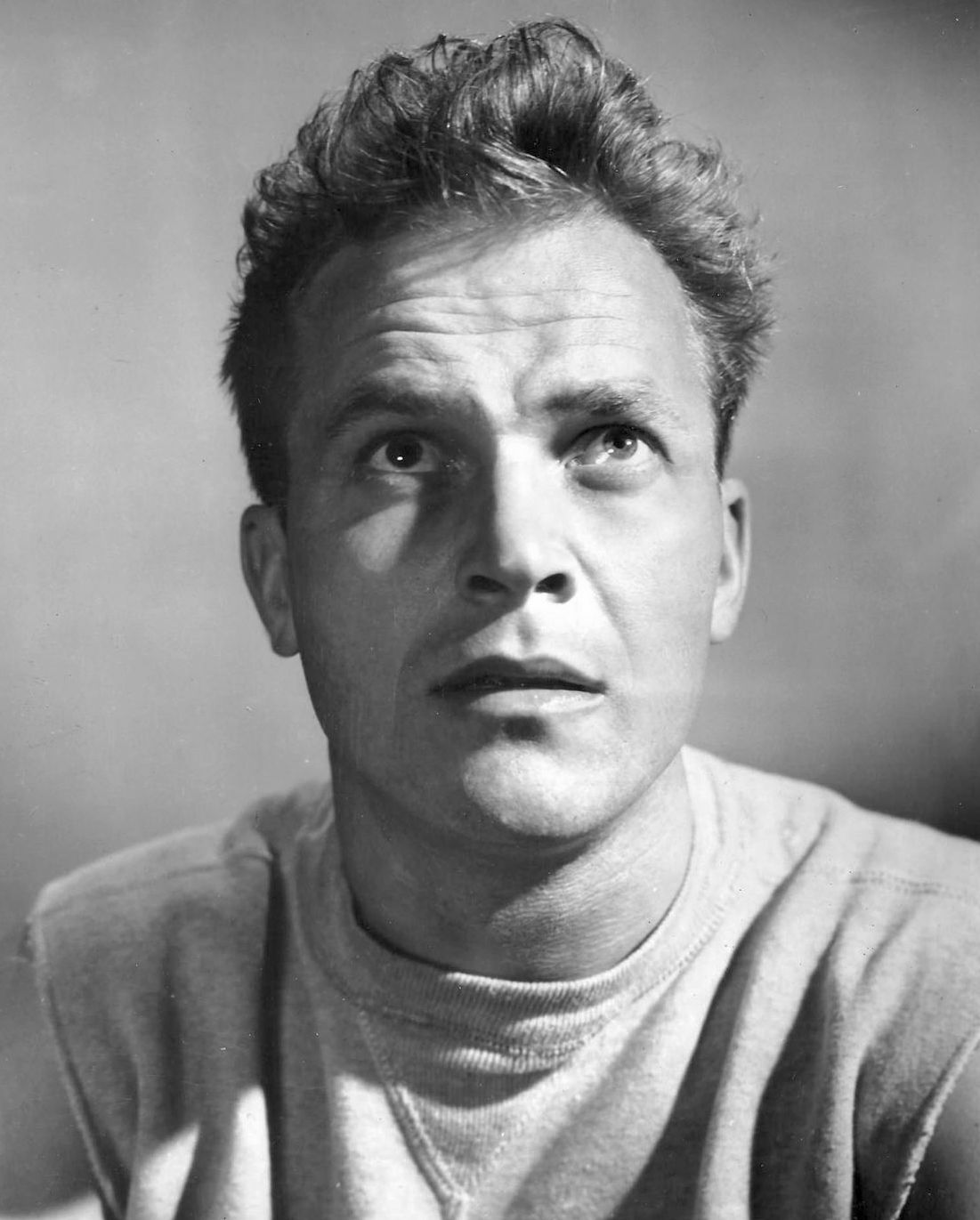How tall is Ralph Meeker?