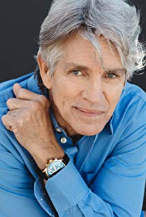 How tall is Eric Roberts?