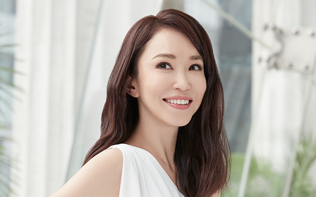 How tall is Fann Wong?
