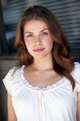 How tall is Paige Spara?