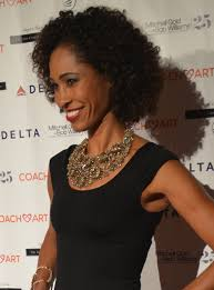 How tall is Sage Steele?