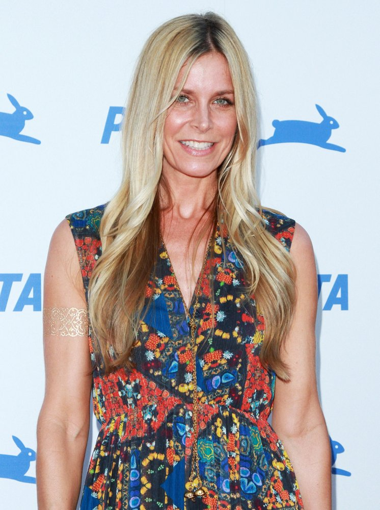 How tall is Sheri Moon Zombie?
