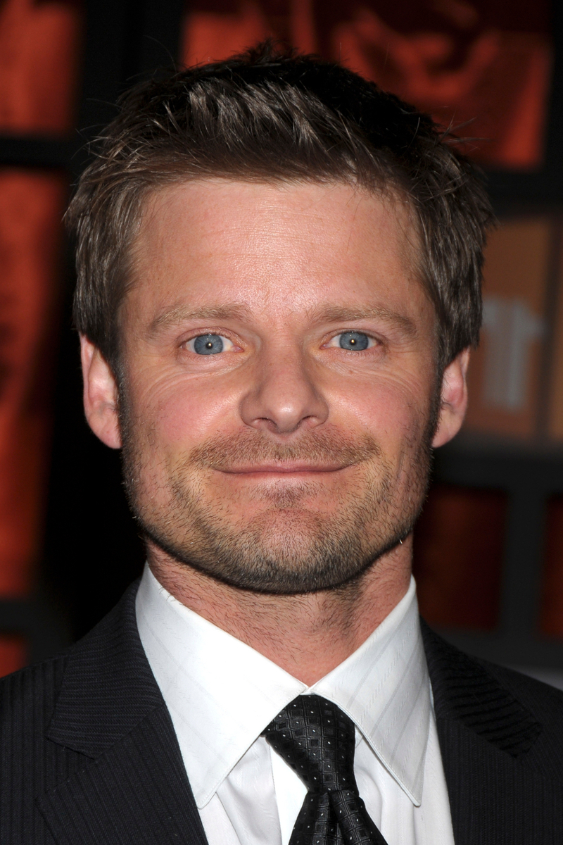 How tall is Steve Zahn?
