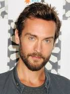 How tall is Tom Mison?