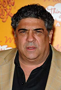How tall is Vincent Pastore?