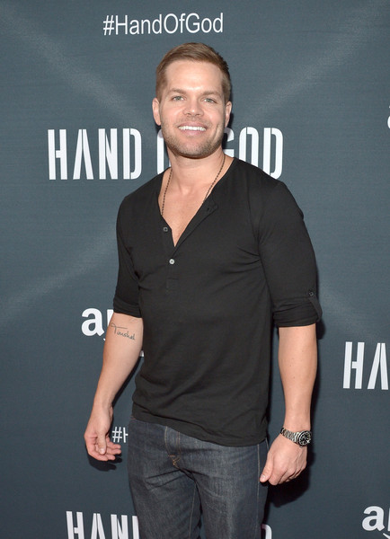 How tall is Wes Chatham?
