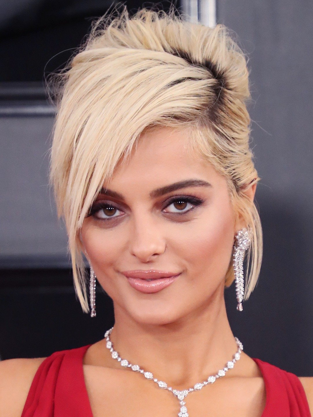 How tall is Bebe Rexha?