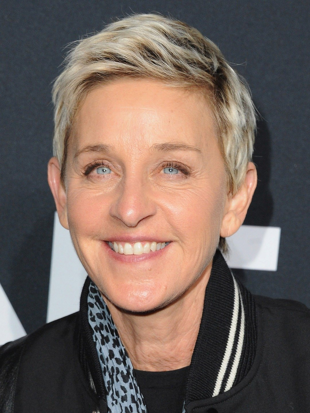 How tall is Ellen DeGeneres?