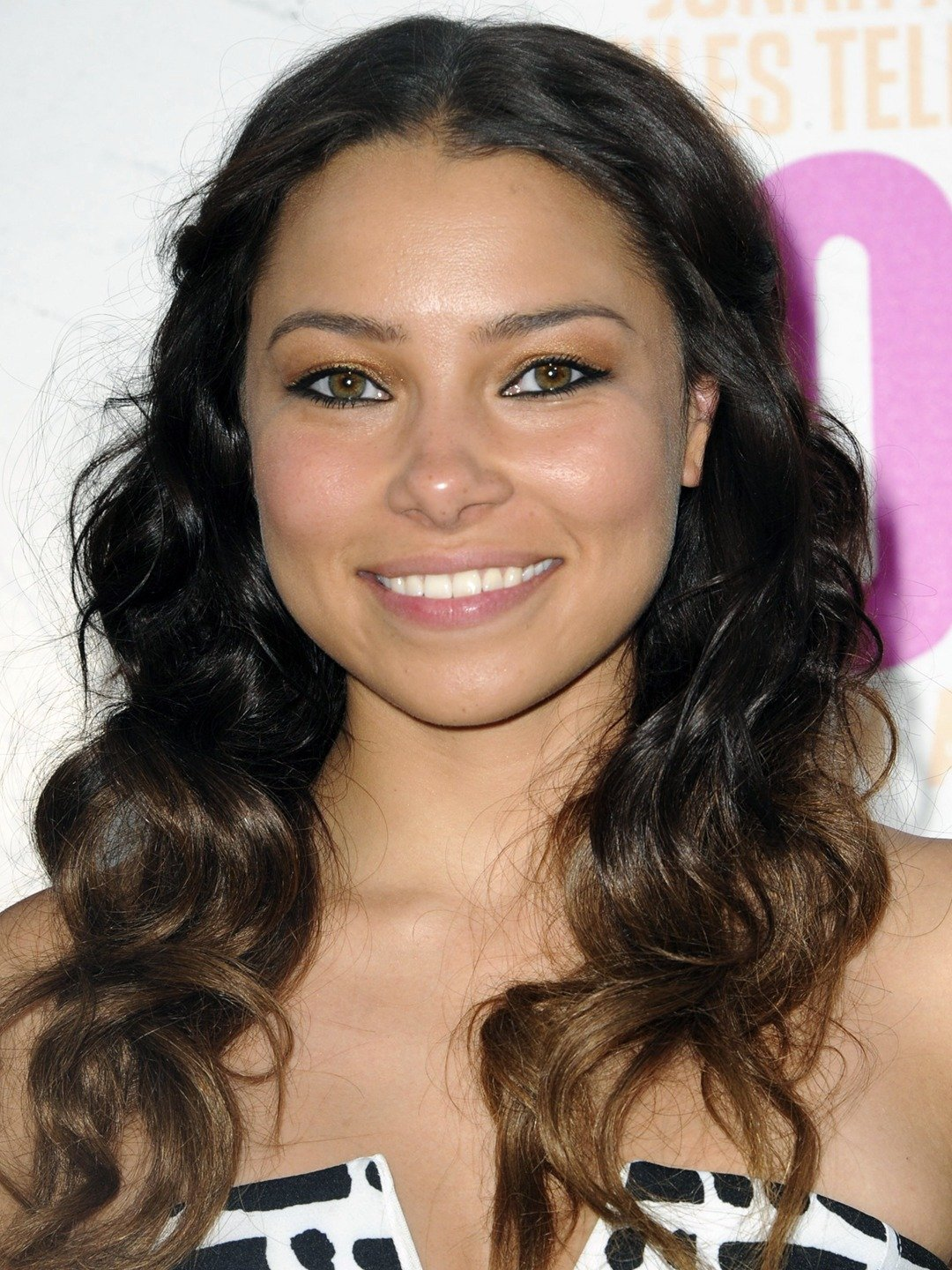 How tall is Jessica Parker Kennedy?
