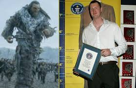 How tall is Neil Fingleton?