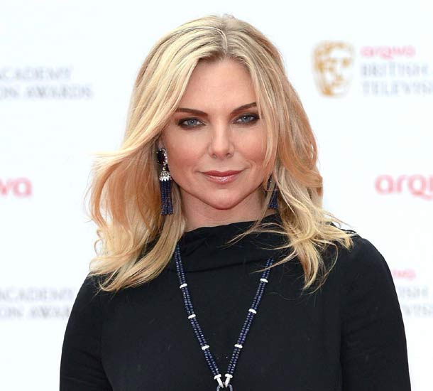 How tall is Samantha Womack?
