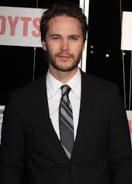 How tall is Taylor Kitsch?
