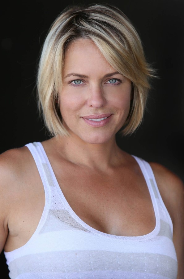 How tall is Arianne Zucker?