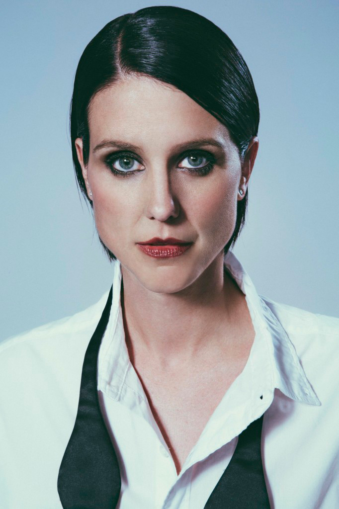 How tall is Heather Peace?