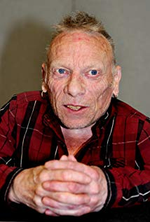 How tall is Jimmy Vee?