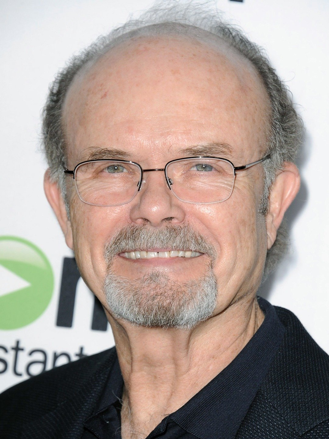 How tall is Kurtwood Smith?