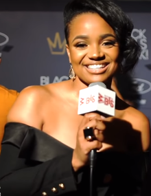 How tall is Kyla Pratt?
